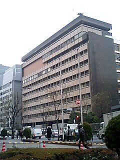 大学一年生以来だ、千代田区公会堂!